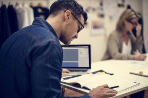 Dlaczego małe przedsiębiorstwa powinny zdecydować się na wynajem biura